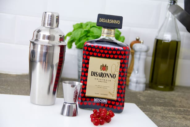Moschino-Loves-Disaronno21