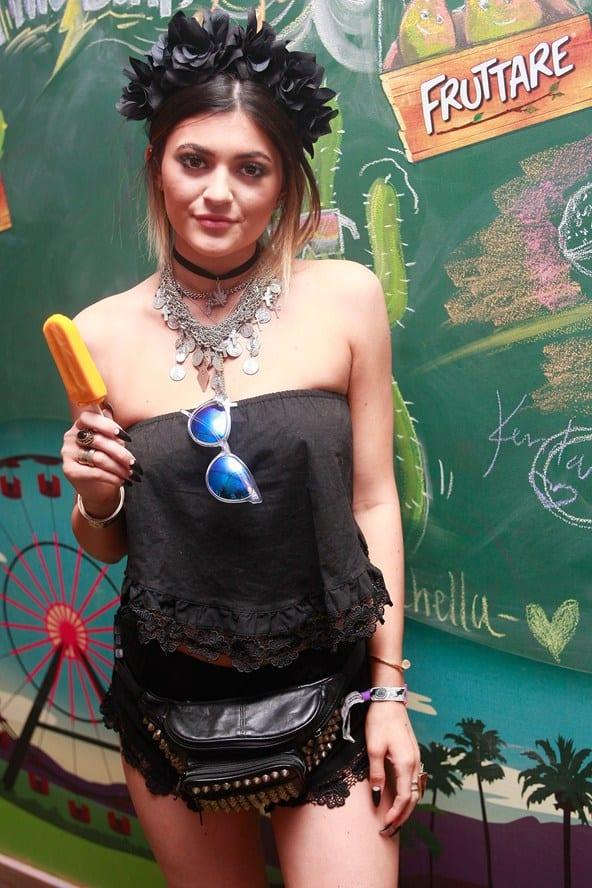 Kylie-jenner_glamour_14par14_getty_b_592x888