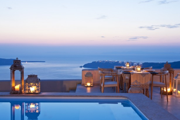 Gold suites santorini