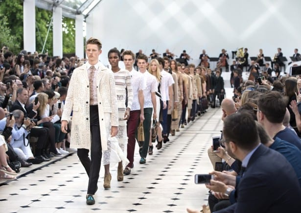 Burberry Menswear Spring Summer 2016 Show Final_003