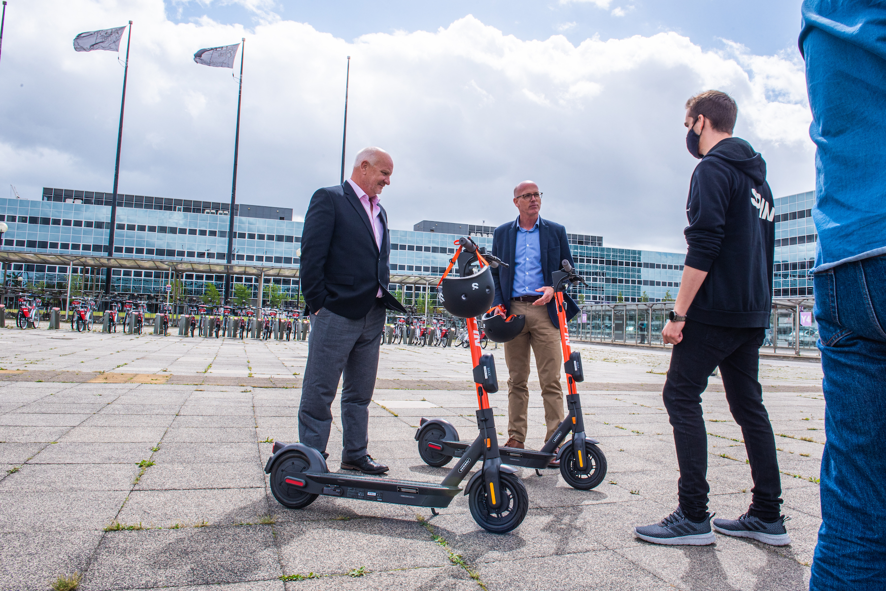 Micromobility firm Spin launches e-scooter trial in Milton Keynes